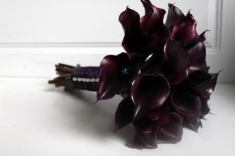 finally-felix_mourning-flowers